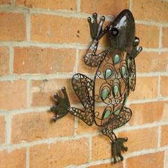 La Hacienda Glow-In-The-Dark Frog Wall Art