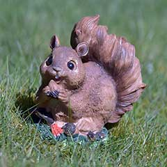 Greenfingers Garden Squirrel - 13cm high