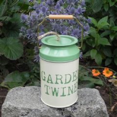 Gardeners Churn with 48m of Twine