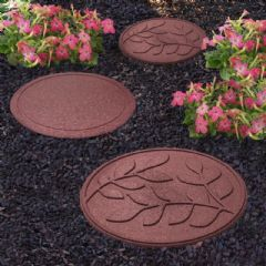 Greenfingers Recycled Rubber Leaf Stepping Stone - Terracota