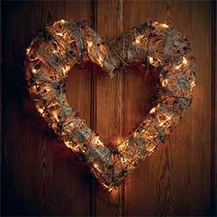Gardman Pre-lit Rattan Berry Heart Door Wreath