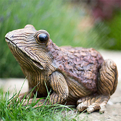 La Hacienda Woodland Frog - 29.5cm Width
