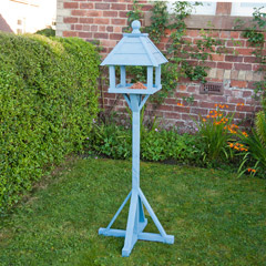 Gardman Livingston Pale Blue FSC Redwood Bird Table